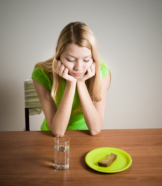 primi sintomi anoressia femminile